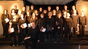 Der Chor im Foyer der Oper Dortmund